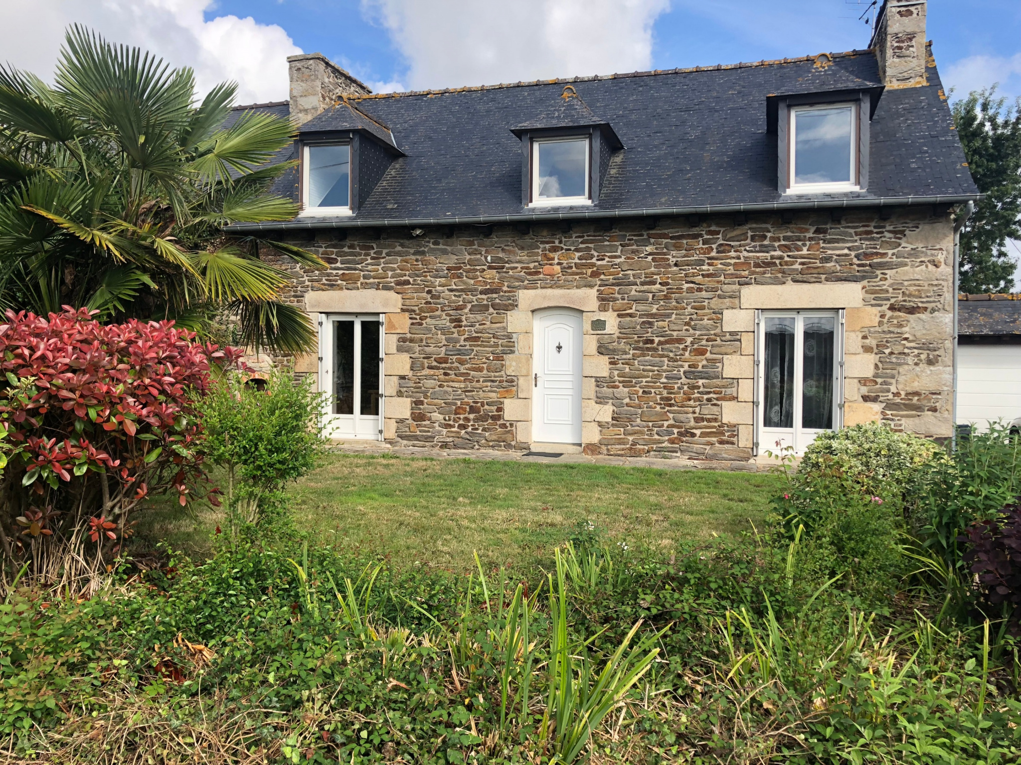 ABOUT 4KM FROM MATIGNON AND 10MN FROM THE BEACH